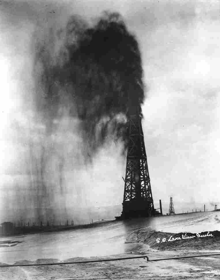 The Lakeview Gusher spewed oil onto the land that's now Taft, Calif.