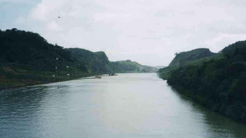 Approaching Gaillard Cut in the Panama Canal.