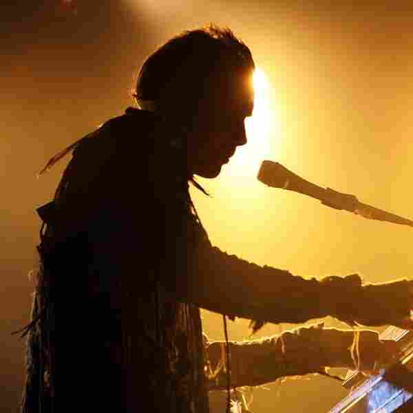 Jonsi's High-Tech Concerts: More Live Film Than Stadium Spectacle