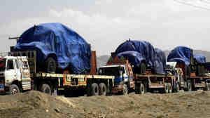 Pakistan blocks NATO trucks at border