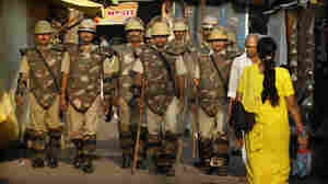 Indian SEcurity forces in Ayodhya