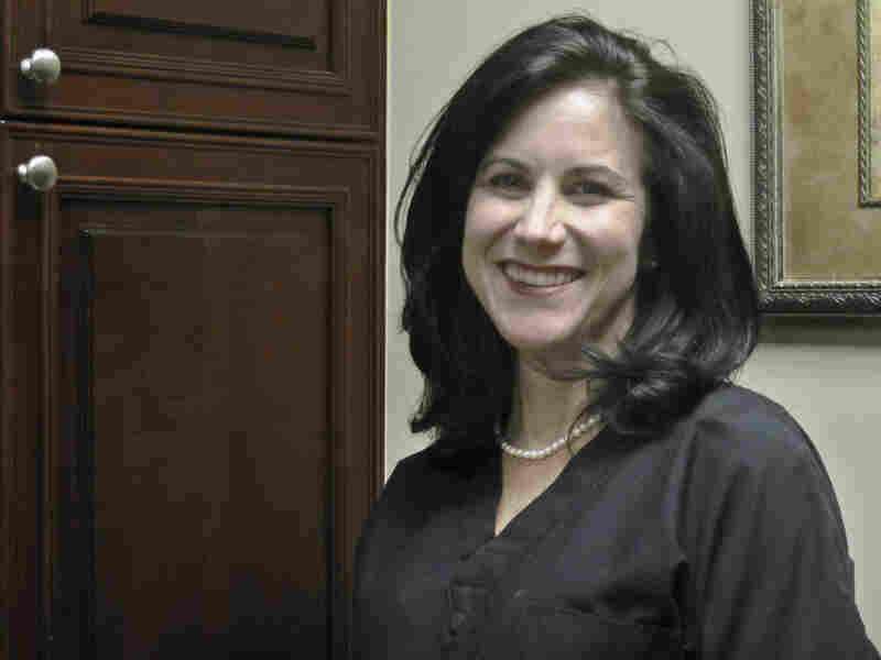 Dr. Lisa Roberts