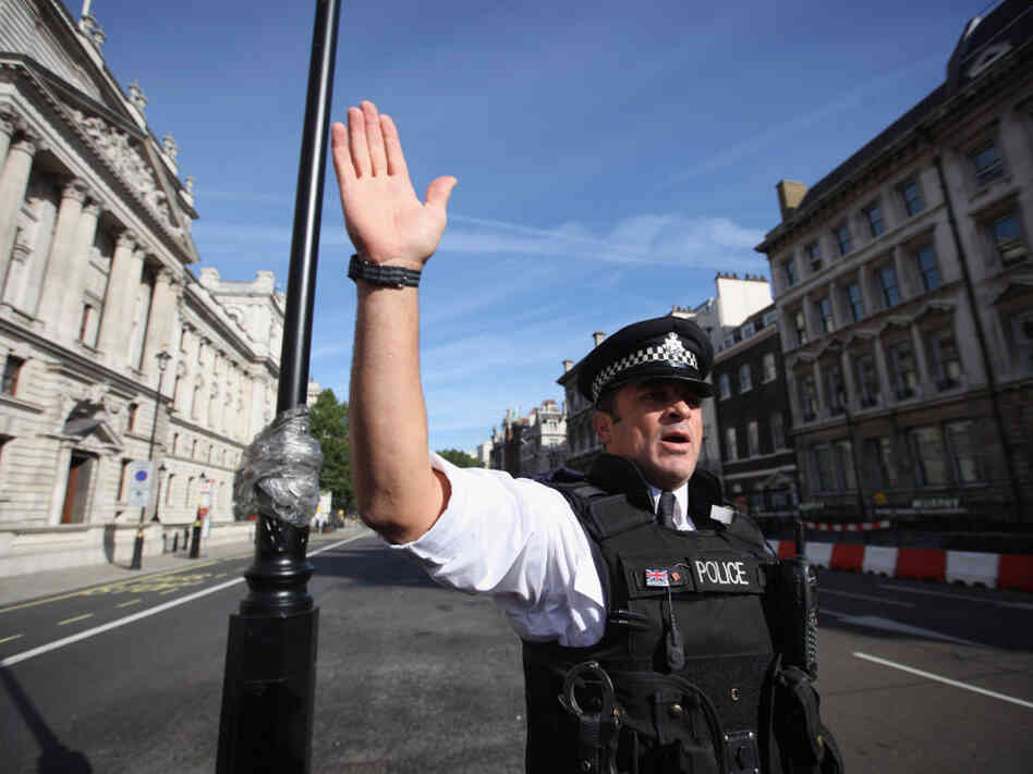 Suspect vehicle closes Whitehall as U.K. terrorism threat is heightened.
