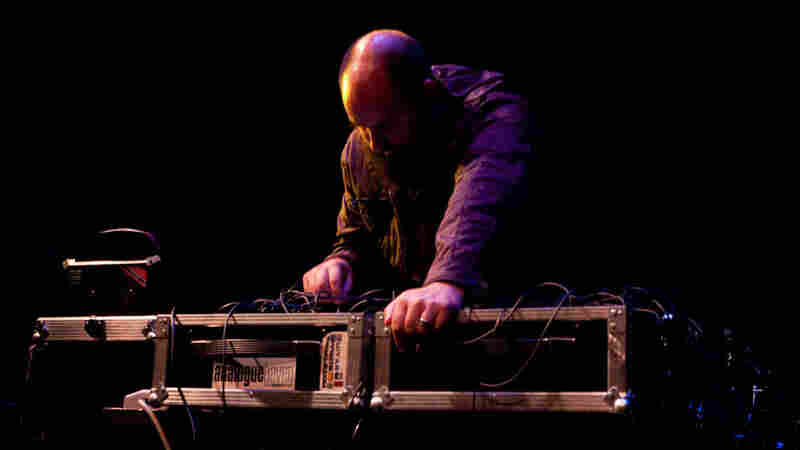 A Brief History Of Electronic Music: Keith Fullerton Whitman In Concert