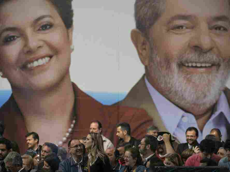 A poster of presidential candidate Dilma Rousseff (left), and President Luiz Inacio Lula da Silva.