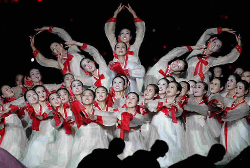 Thousands of dancers performed intricately choreographed routines.