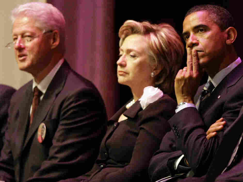L-R: Bill Clinton, Hillary Rodham Clinton, Barack Obama; Aug. 30, 2008, in  Cleveland.