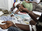 Haitian victims treated for cholera