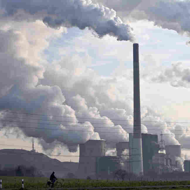 A coal-burning power plant in Gelsenkirchen, Germany. Martin Meissner/AP File Photo