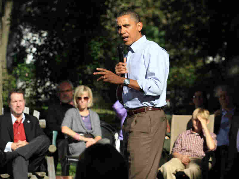President Obama leads a discussion on the economy with families in Des Moines, Iowa.
