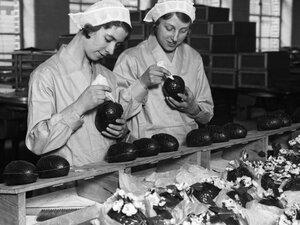 Cadbury Workers (1932)