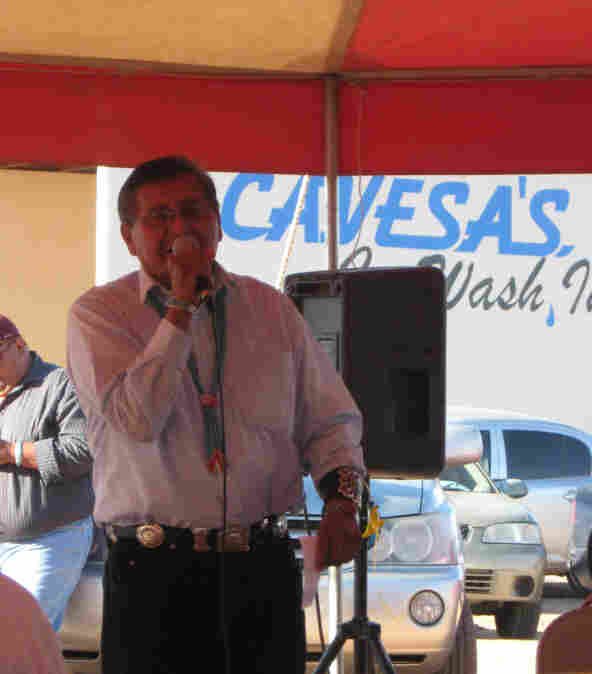 Navajo Nation Vice President Ben Shelly addresses supporters.