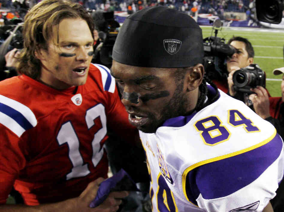 After Sunday night's game, Randy Moss (right) had a message for quarterback Tom Brady, Patriots.