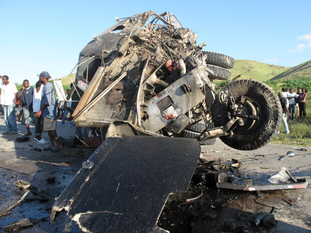 A truck crash on the road to Saint-Marc
