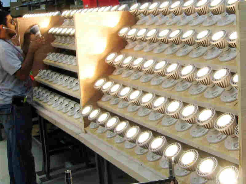 Lighting Science Group is producing LED bulbs to be sold at Home Depot.