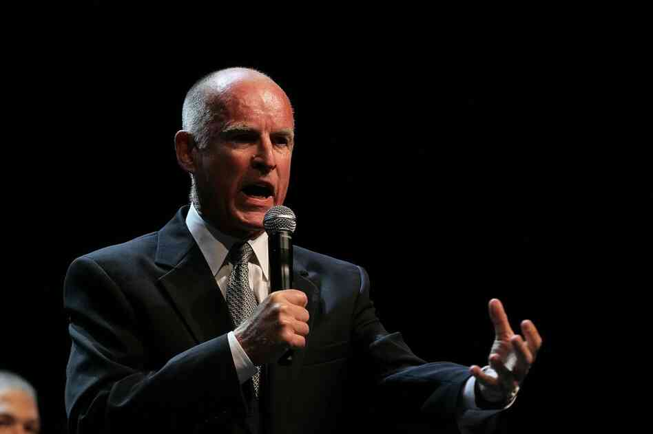 California governor-elect Jerry Brown, a Democrat, speaks to supporters as he celebrates his win over Republican challenger and former eBay CEO Meg Whitman.