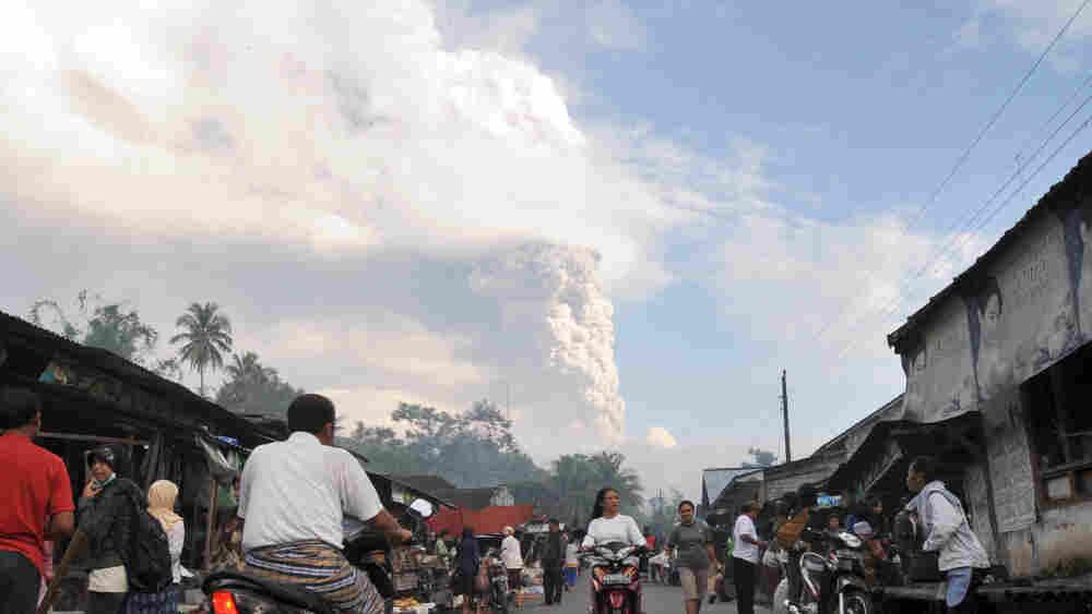 CORRECTING OBJECT NAME A cloud of ash ri