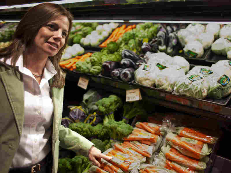 Krystal Register, a registered dietician and a staff nutritionist at Wegmans.