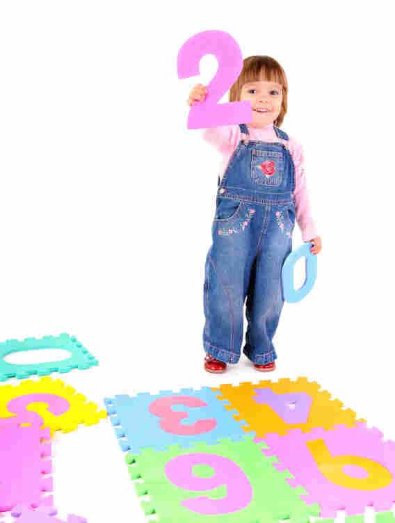 A toddler with numbers. Yuriy Nedopekin/iStockphoto.com