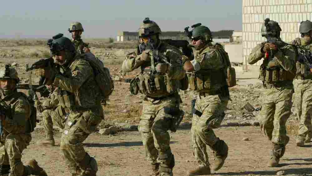 US forces train their Iraqi counterparts