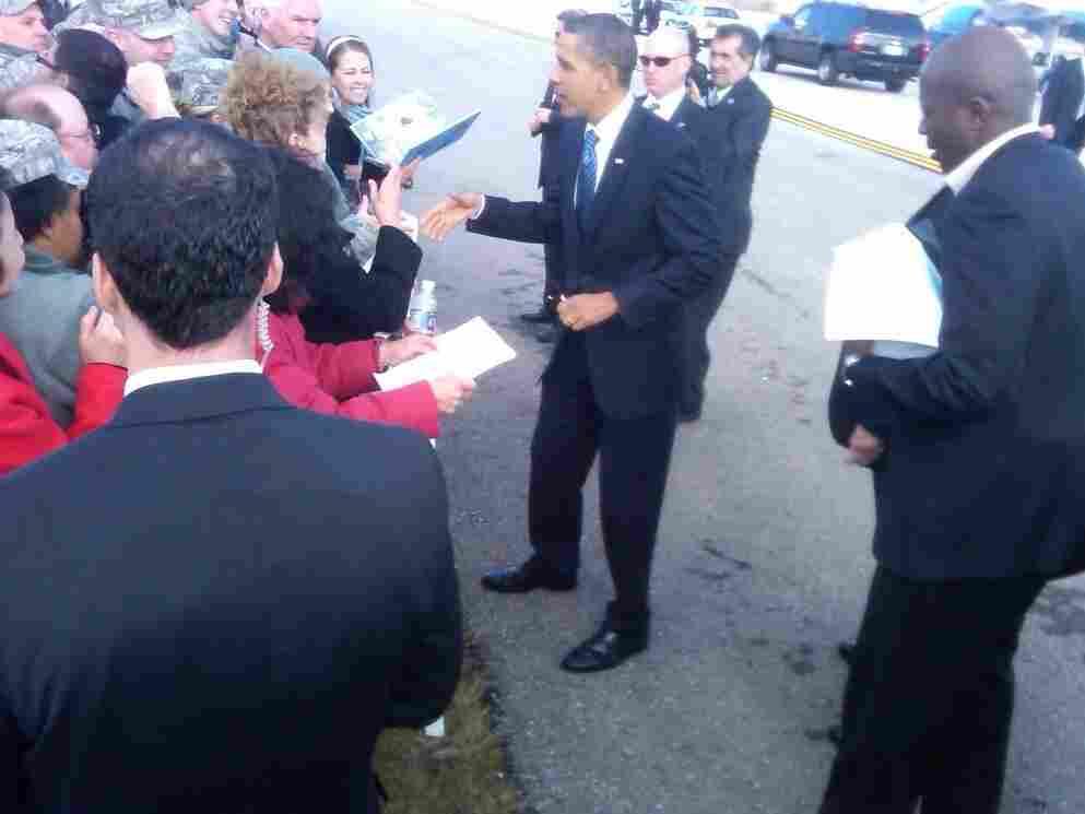 Obama shakes hands in Kokomo