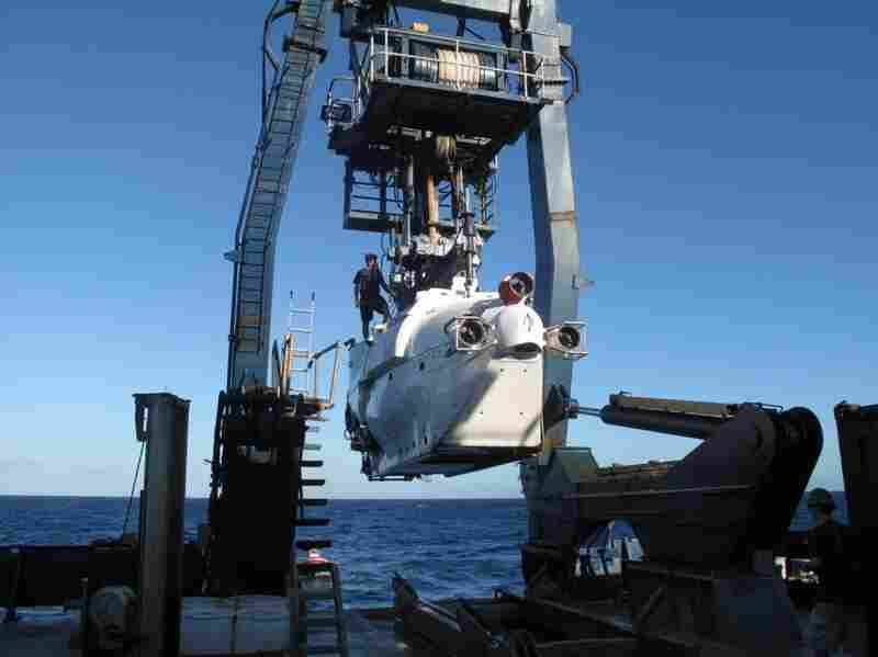 Launching the deep-water-research submarine Alvin.