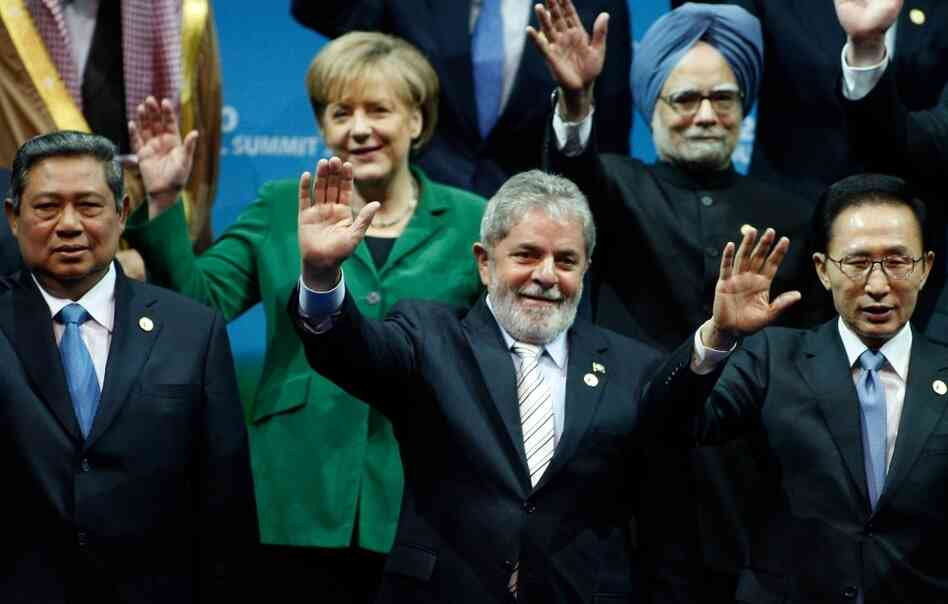 World leaders wave during the G20 Summit in Seoul.