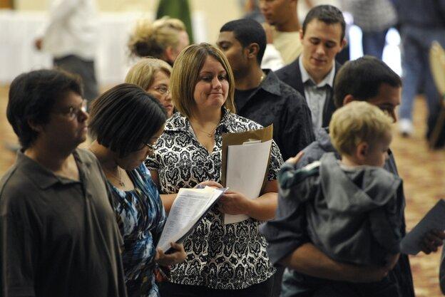 Unemployed Illinois workers