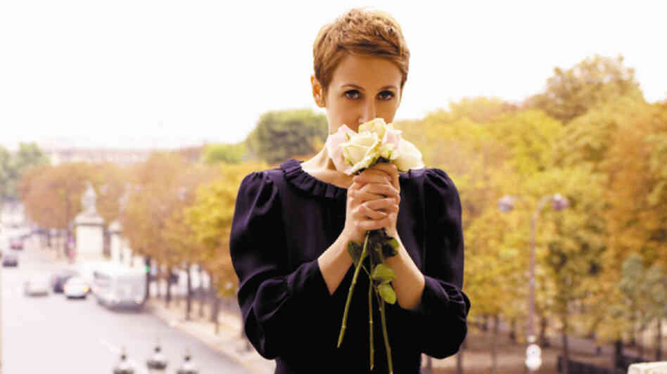 American-bred, U.K.-based Stacey Kent eschewed jazz standard to sing in French on Raconte-Moi…