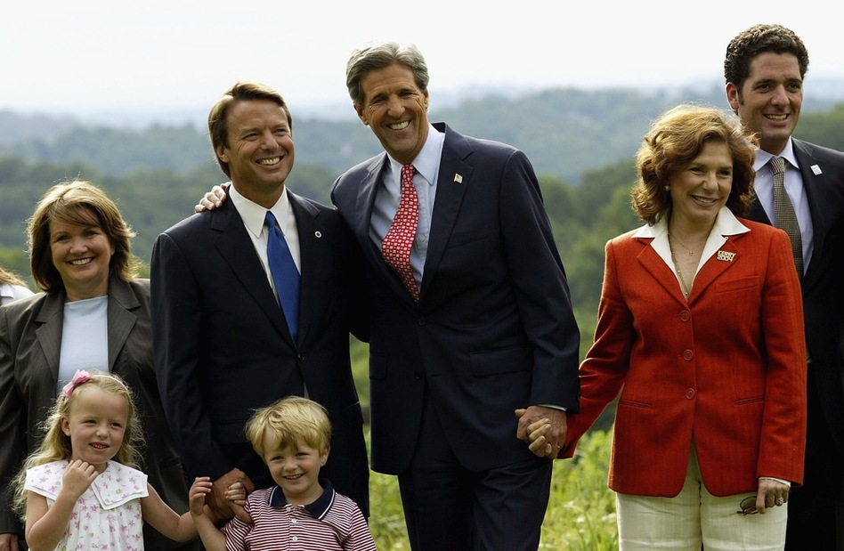 Edwards is seen in this 2004 photo with her family, as well as Democratic presidential candidate Sen. John Kerry, his wife, Teresa Heinz Kerry and their son, Chris Heinz.  (Getty Images)