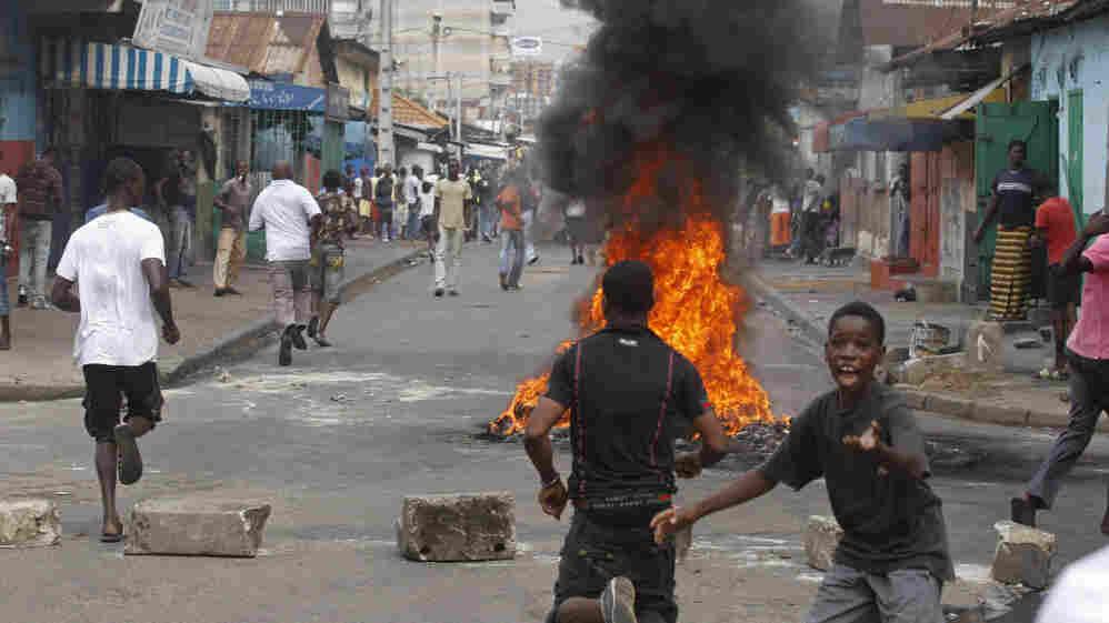 Supporters of Ivory Coast opposition leader Alassane Ouattara in Abidjan