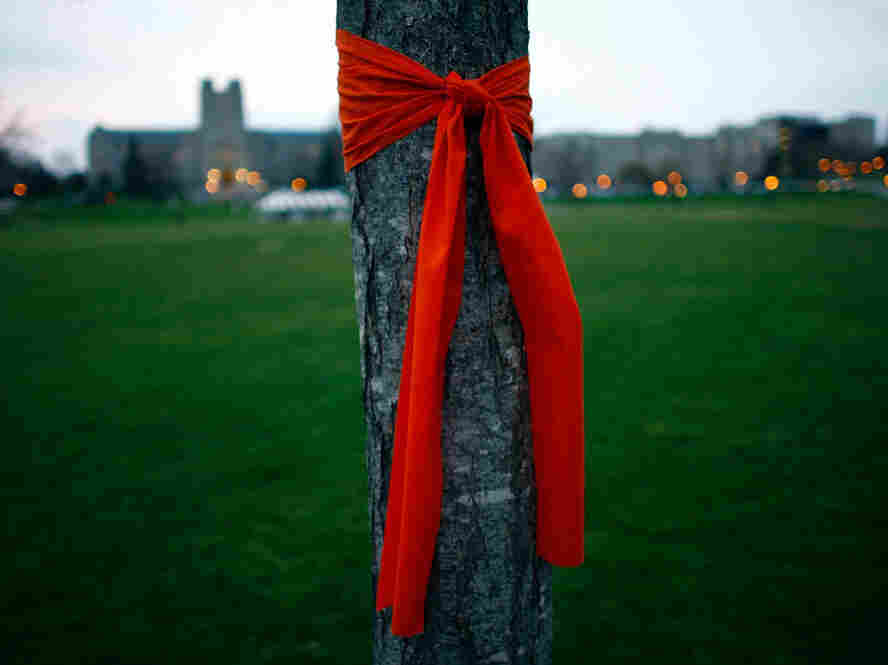 Virginia Tech, April 18, 2007: An orange bow on campus to remember those killed.