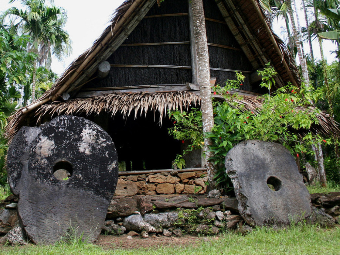 yap2-8451313d0e86f96a838b2ffc48b42bb5f633f29b-s40 - The Island Of Stone Money - Facts and Trivia