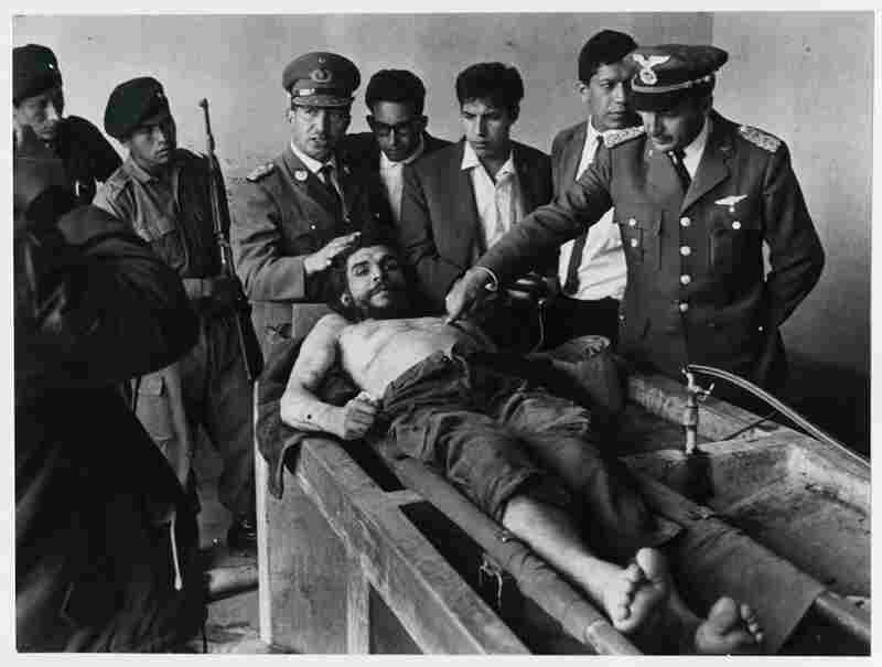 Che Guevaras corpse is officially presented to the International Press in the laundry room of the Vallegrande local hospital on the October 10, 1967.