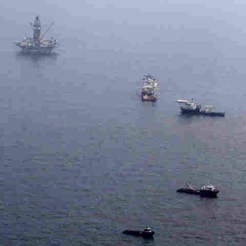 The Development Driller III platform tries to drill relief well near where Deepwater Horizon sank.