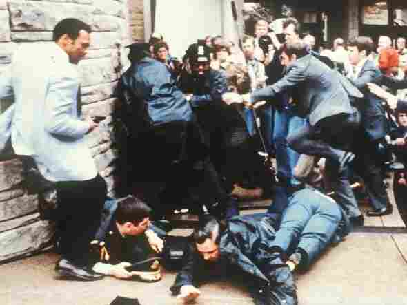 The chaotic scene moments after President Reagan is shot