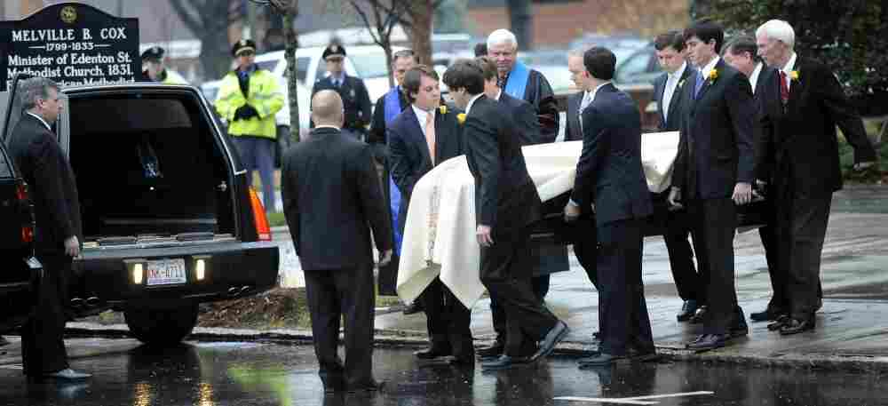 Elizabeth Edwards' funeral was held in Raleigh, North Carolina. Westboro Baptist Church members picketed the service.