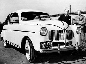 In 1941, Henry Ford unveiled a concept car that ran on ethanol and gas. The car's plastic body was made from soybean and fibers such as field straw, hemp and flax.