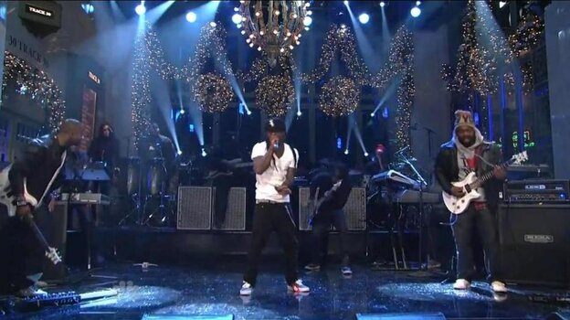 """Lil Wayne performing the song """"6'7'"""" on stage at """"Saturday Night Live"""" just days after it was released on iTunes."""