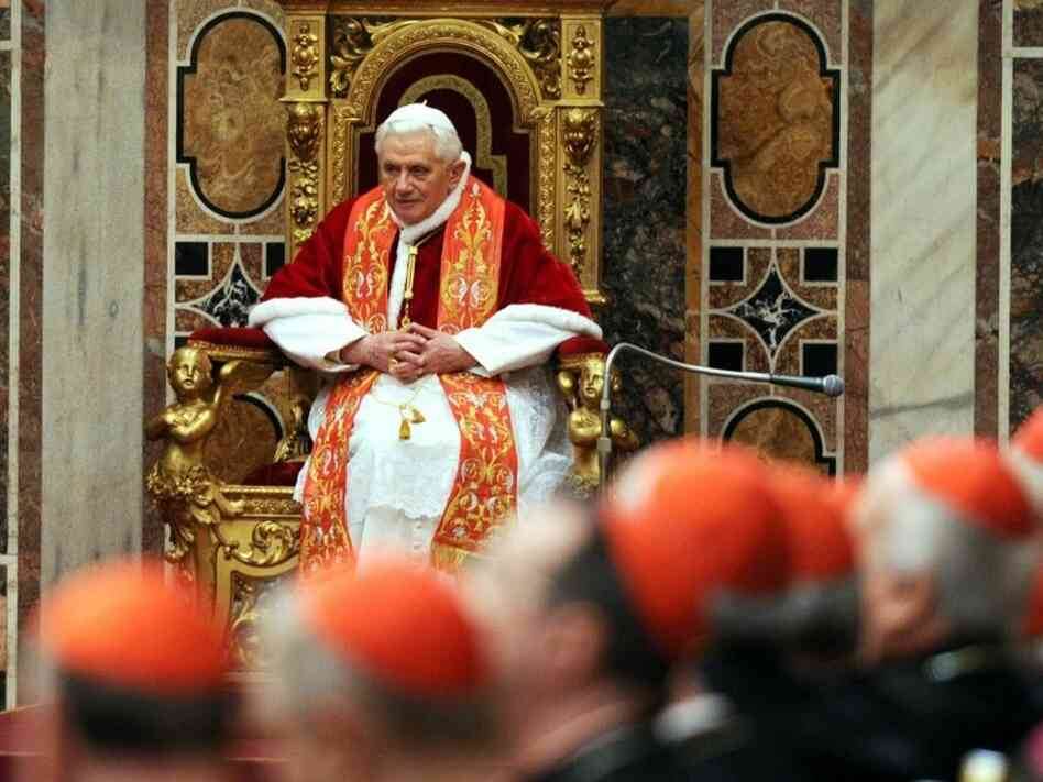 Pope Benedict XVI receives the Roman Curia for the annual Christmas greetings at the Clementina Hall on Monday.