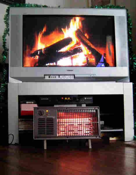 The 2009 Yule Log -- HD, but not 3-D.