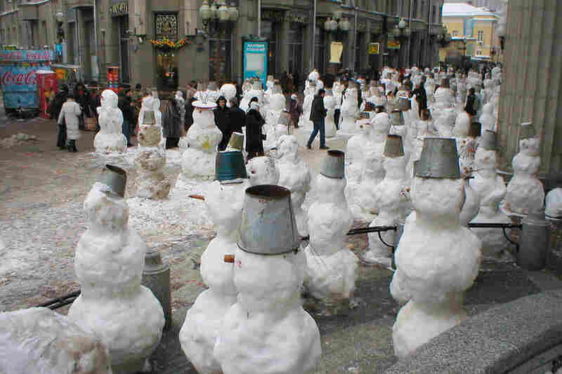 Hundreds of snowmen are constructed every year in a different part of Moscow, as part of an advertising campaign for famous Russian clowns.