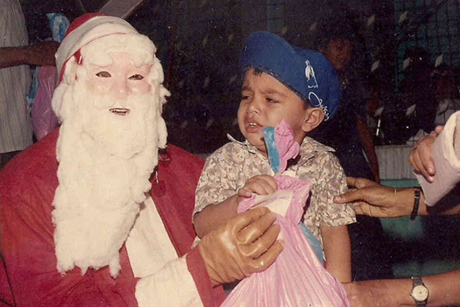 Okay, this Santa is just plain terrifying.