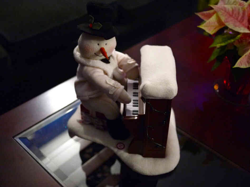 Frosty sits in.
