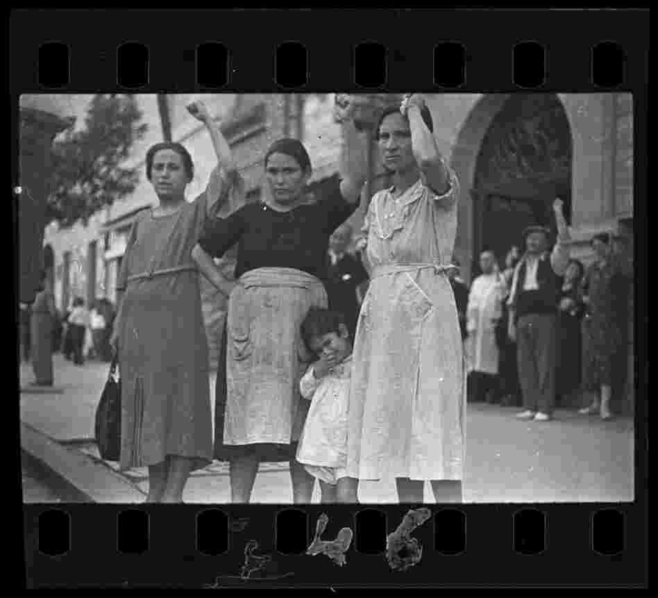 Spectators at the funeral parade of General Lukacs, Valencia, June 16, 1937