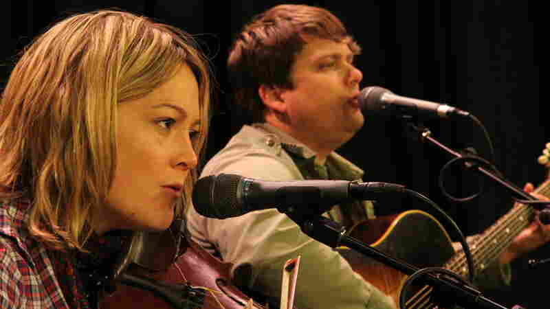 Sara and Sean Watkins perform a live set on Folk Alley.