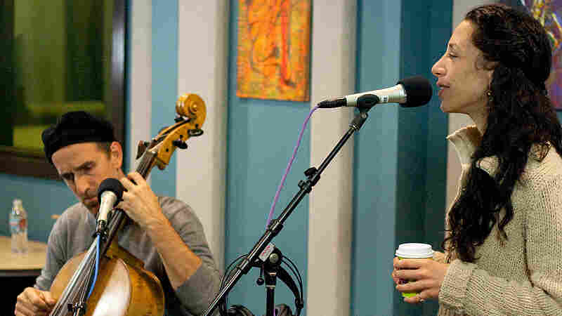 The folk duo Bethany and Rufus recently performed on KPLU in Seattle.