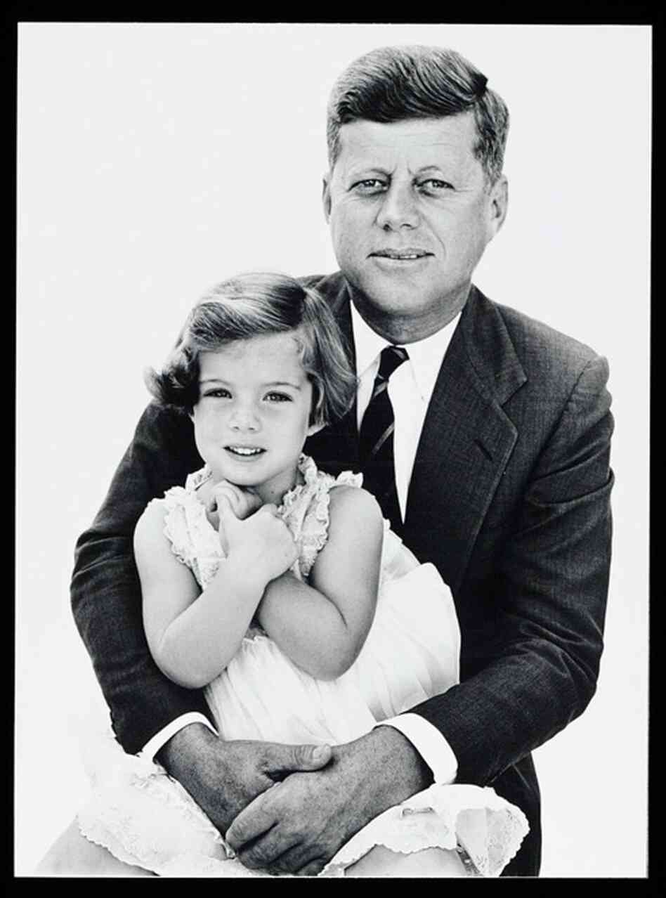 Today In History: Richard Avedon Photographs The Kennedys ...