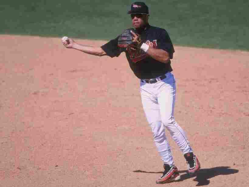 Infielder Roberto Alomar of the Baltimore Orioles in 1998.