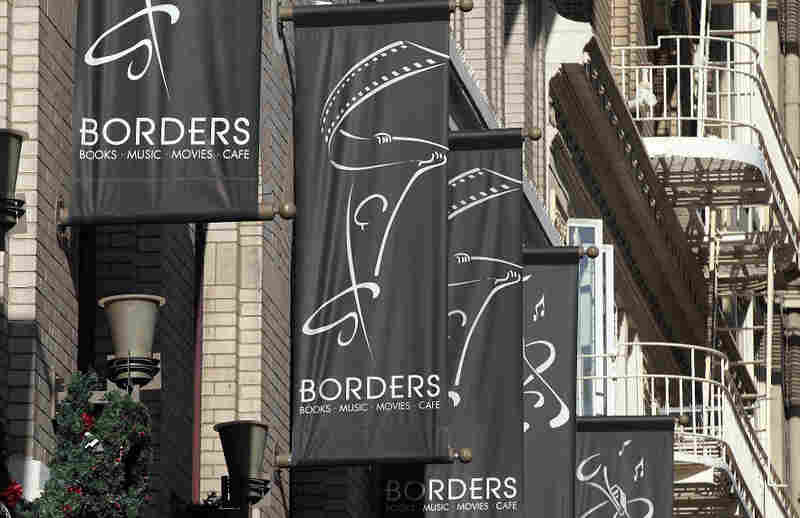 Banners are displayed outside of a Borders Bookstore on Dec. 7, 2010 in San Francisco.